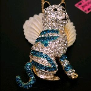 Betsey Johnson Shiny Blue Crystal Standing Cat *^